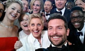 Ellen and Gang Oscars Selfie